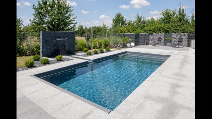 Rivierapool prefab zwembaden uit polyester zwembad for Zwembad artikelen
